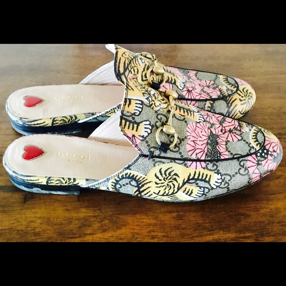 31ffc1a468f Gucci Shoes - Gucci Princetown Tiger Print Loafers